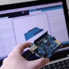 Arduino/Genuino 101 available
